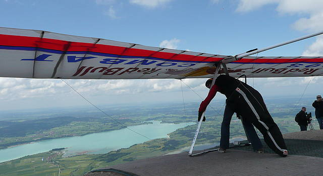 Hanggliding and paragliding at Tegelberg Mountain in Schwangau