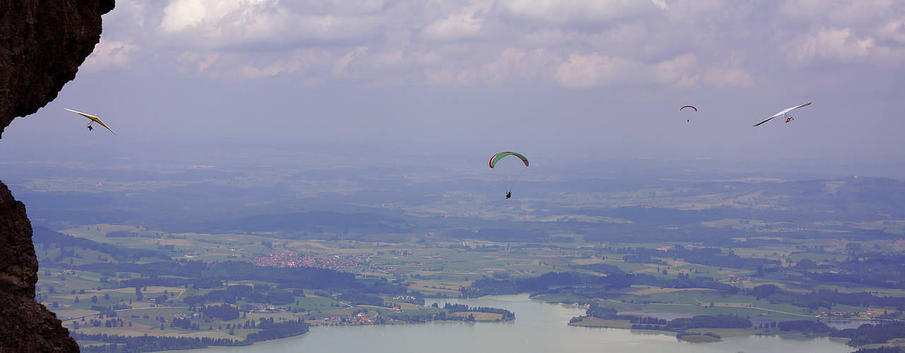 Hangglider's paradise at Tegelberg mountain