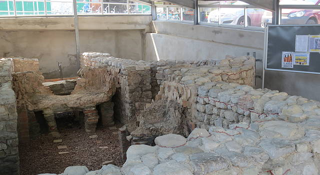 Roman Villa: archaeological site of the roman building